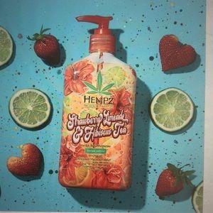 Hempz strawberry Limeade & Hibiscus tea